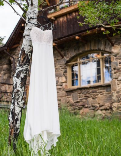 Littleton wedding photographer Colorado Chief Hosa Lodge bride wedding dress mountains