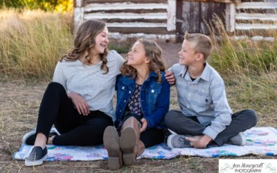 The {O} Family of 5 at Hildebrand Ranch by Littleton photographer